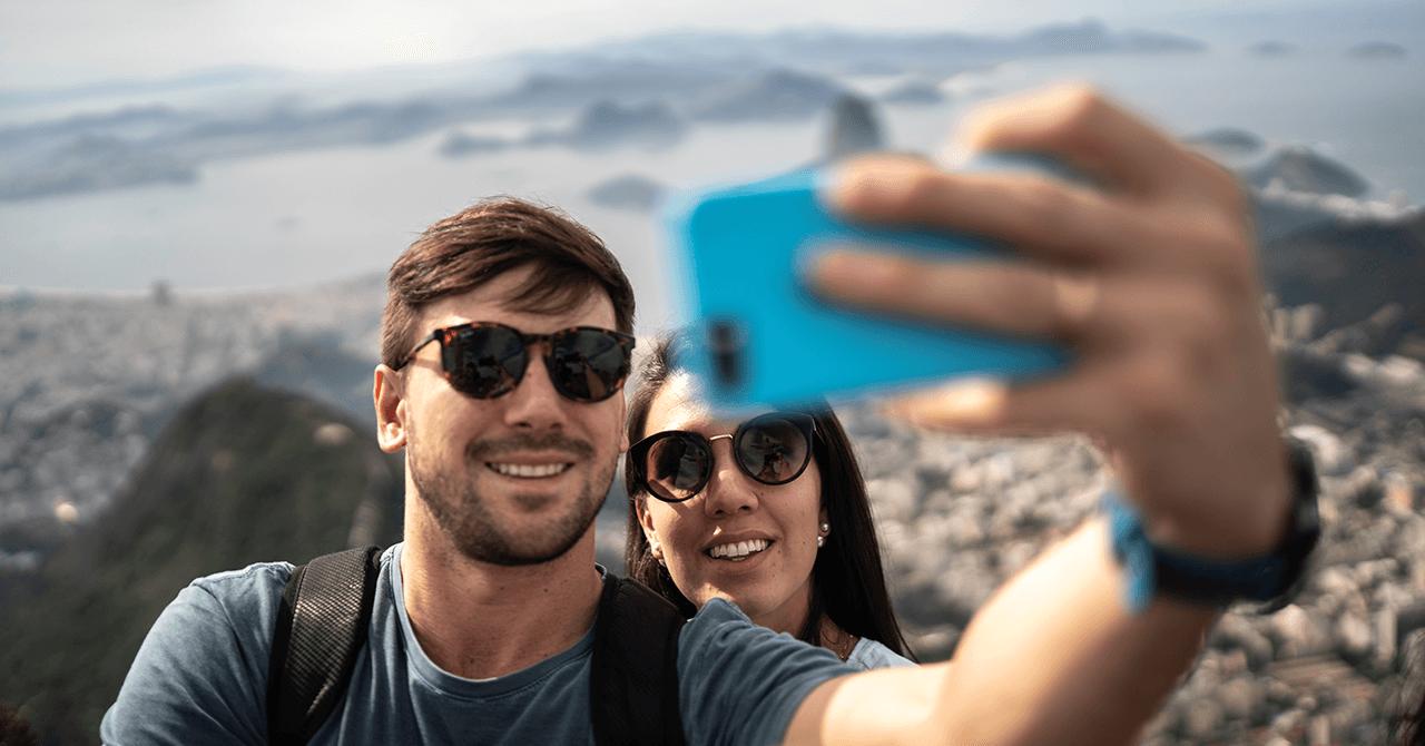 Social Media Retargeting: Pros, Cons & Solutions
